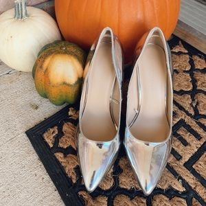 Wild Diva-Size 8 1/2-Silver Heels